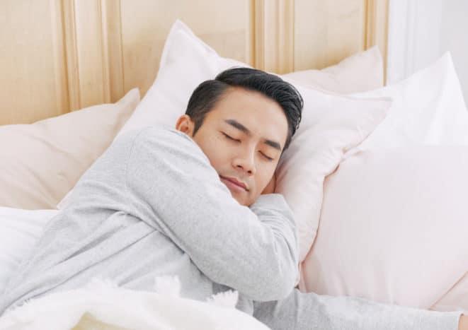 Schlafentzug Blutdruck steigt