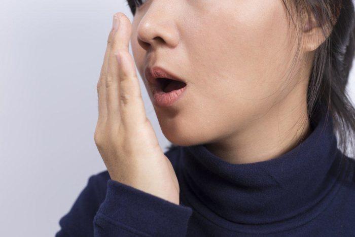 Mundgeruch beim Fasten verhindern